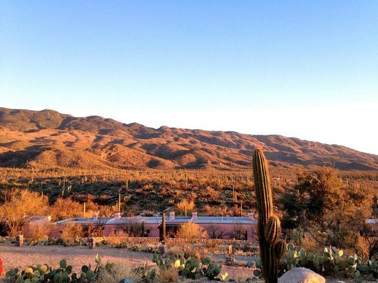 Tanque Verde Ranch: View at sunset