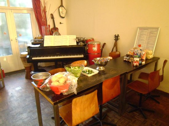 Hostel B&amp;B Utrecht City Center: Music and meal