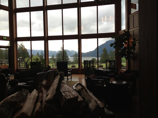 Stevenson, WA: really great views from within the lobby