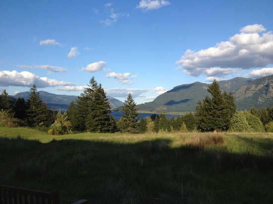 Skamania Lodge: same view, but from outside the lobby