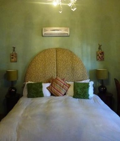 Tulbagh Hotel: A Heritage Bed!