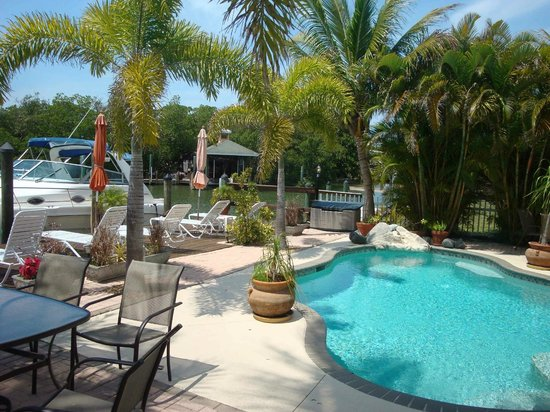 Manatee Bay Inn: Pool Area
