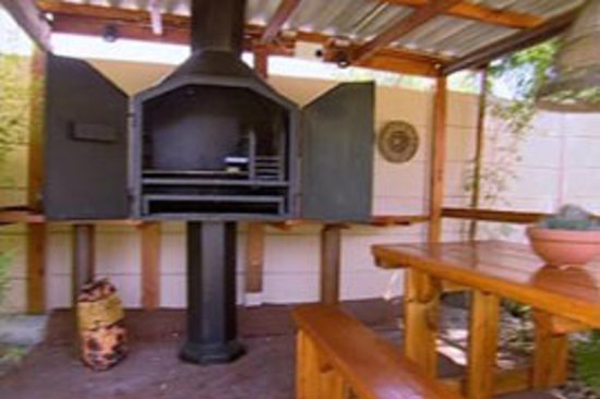 KhashaMongo Guesthouse: Braai Area
