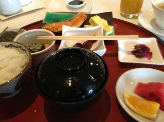 Dusit Thani Manila: Breakfast at Tosca