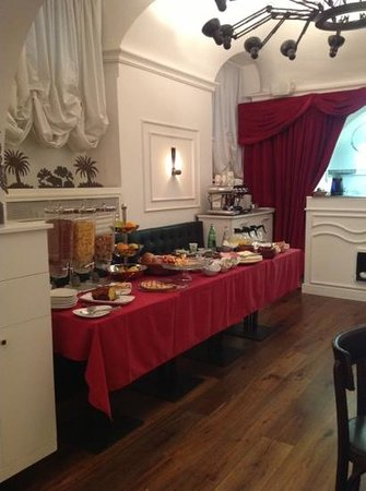 Relais Orso : breakfast buffet