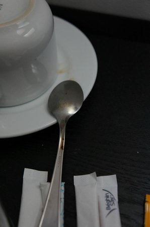 Hotel Tahiti Nui: Used tea spoon