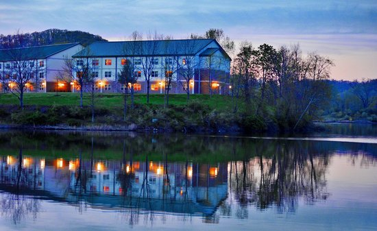 Stonewall Resort: HDR of the lodge after dark