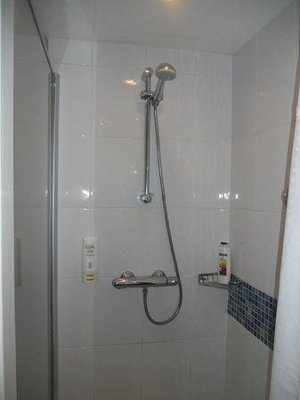 Holiday Inn Express London Royal Docks - Docklands : doccia- shower