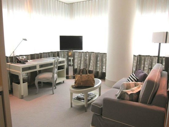 Lanson Place Hotel: executive suite