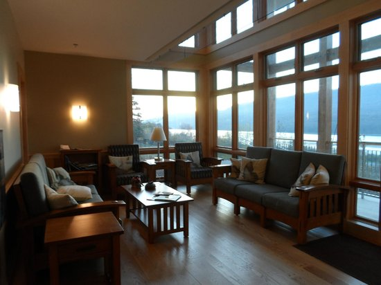 Nature Inn at Bald Eagle: common area