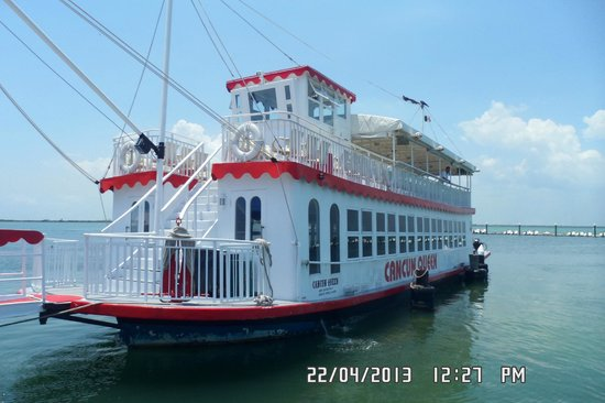 Golden Parnassus Resort & Spa: The Cancun Queen, cruise included with Club or Golden Rooms.  Party boat with great people!