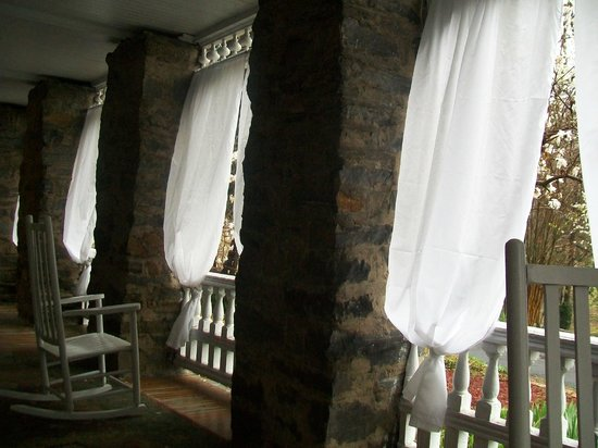 Cedar Crest Inn: This is the private porch that is attached and exclusive to the Serenity Suite.