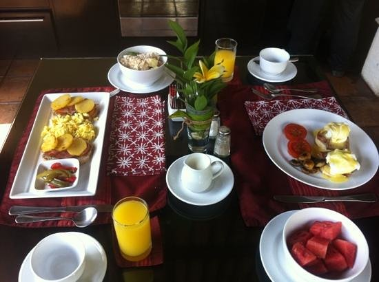 The Ulin Villas & Spa: mmmmm. nice way to start your day.