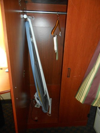 Sleep Inn near Ft. Jackson: closet