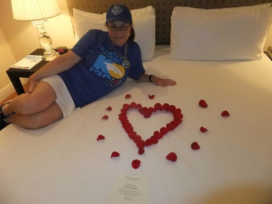 The Angler's Boutique Resort : Rose pedals in room for birthday!