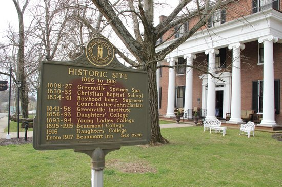 Beaumont Inn: History of the inn