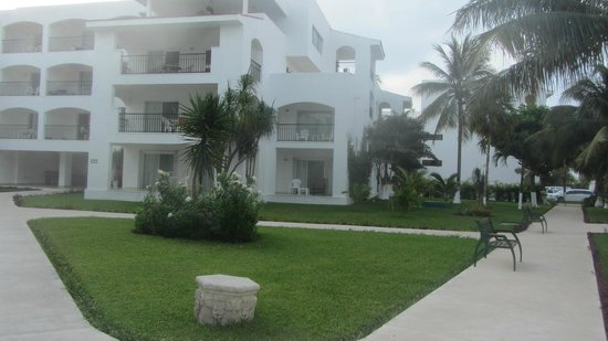 Beachscape kin ha villas suites in cancun for Villas kin ha