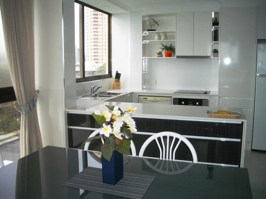 Boulevard Towers: Unit 13 - a classy and comfortable apartment