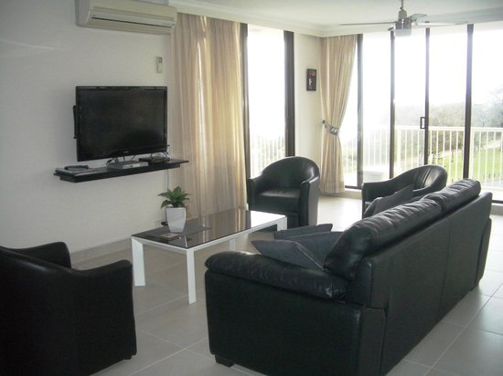 Boulevard Towers: Comfy lounge and a big TV as well