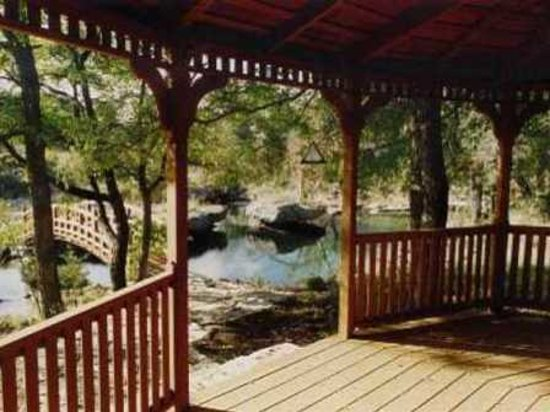 Dripping Springs, TX: Creek gazebo