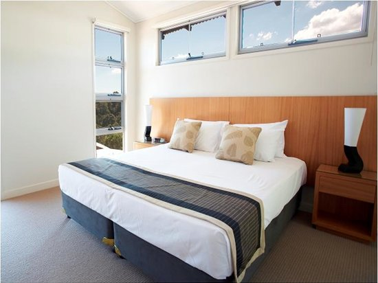 Canungra, : Villa Bedroom Suite