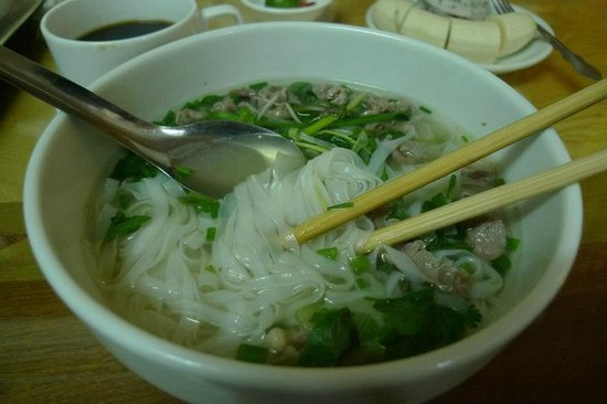 Holiday Gold Hotel: Pho Bo/ Beef noodles soup for breakfast!