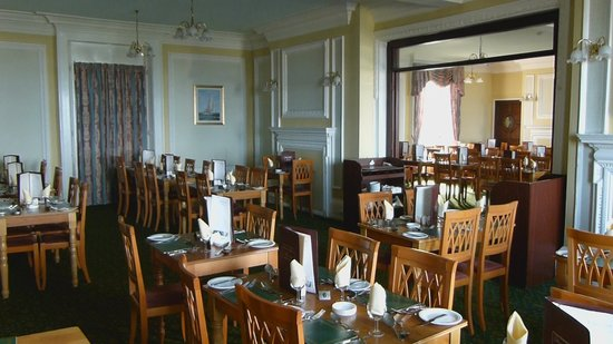 Bay Royal Whitby Hotel: Restaurant
