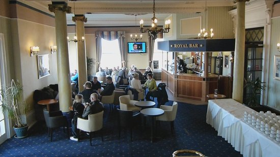 Bay Royal Whitby Hotel: Lounge Bar