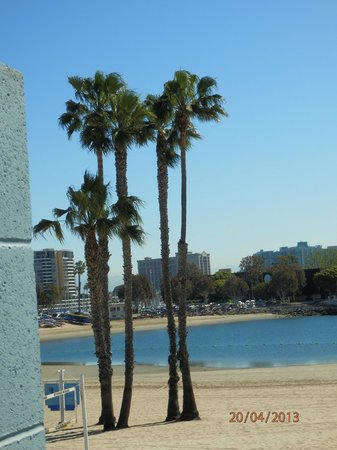 Foghorn Harbor Inn Hotel: Beach view Marina del Rey