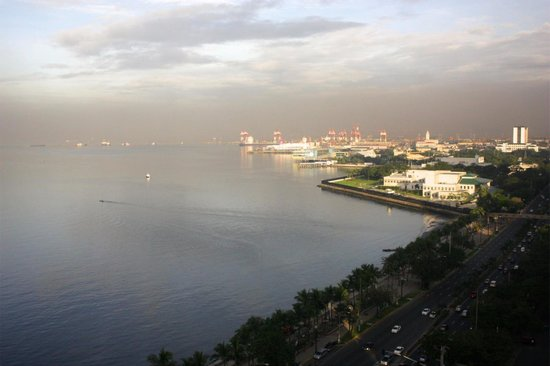 Diamond Hotel Philippines: View in the morning