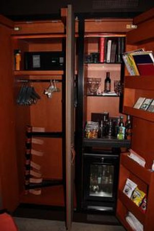 The Chatwal: Mini Bar