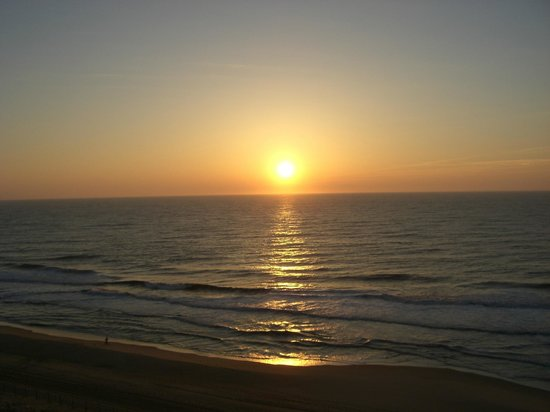 Hilton Suites Ocean City Oceanfront: Sunrise from our suite