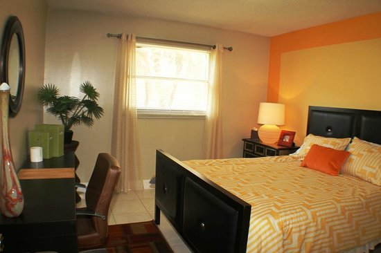 Mia Airport Villas: Typical Upgraded Apartment Bedroom