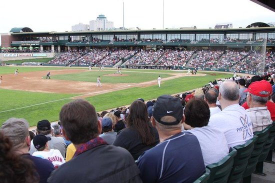 Holiday Inn & Suites, Winnipeg Downtown: Winnipeg Goldeyes