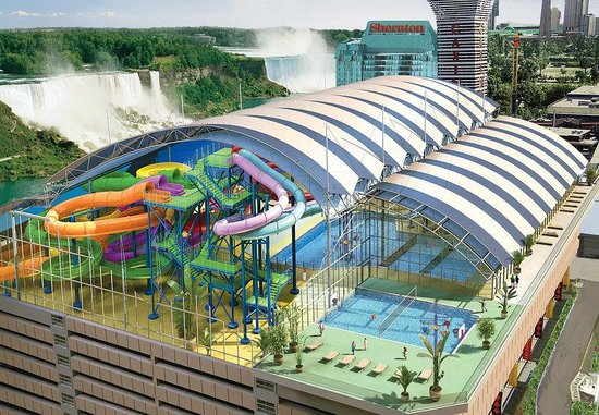 Crowne Plaza Niagara Falls - Fallsview: Fallsview Indoor Waterpark is connected to the Crowne
