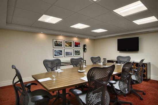 Embassy Suites Detroit Metro Airport: Conference Room
