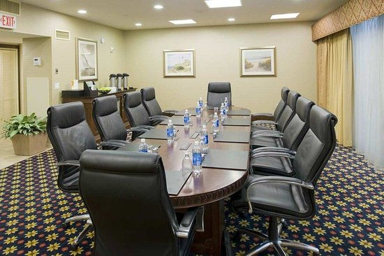 Hilton Long Island / Huntington: Boardroom