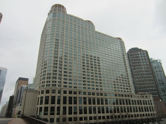 Sheraton Chicago Hotel and Towers: Exterior view from bridge over Chicago River