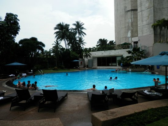 Mandarin Oriental, Manila: awesome pool