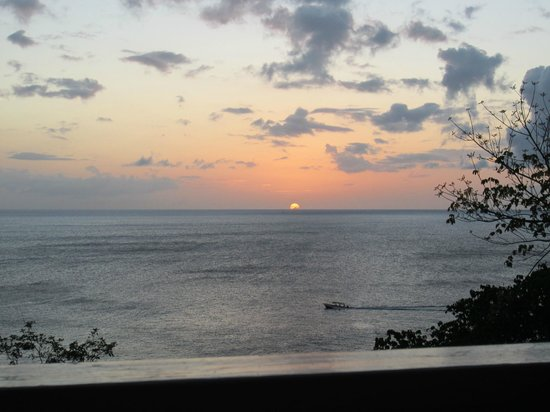 Ti Kaye Resort &amp; Spa: Sunset from the Nich Cottage.