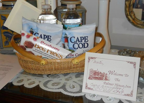 Palmer House Inn: This lovely gift basket offered complimentary Cape Cod treats.