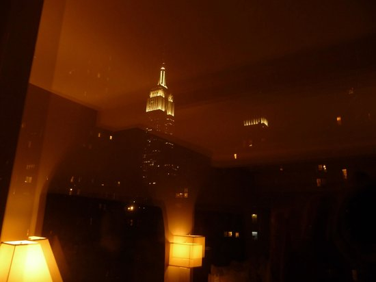 The Court - A St Giles Premier Hotel : Vue Empire State Building de la chambre