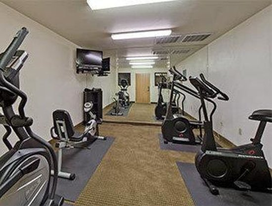 Hawthorn Suites by Wyndham Tempe : Fitness Center