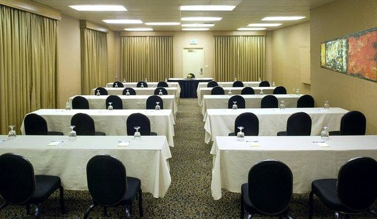 Days Hotel - Hotel Circle by SeaWorld: Meeting Room Classroom