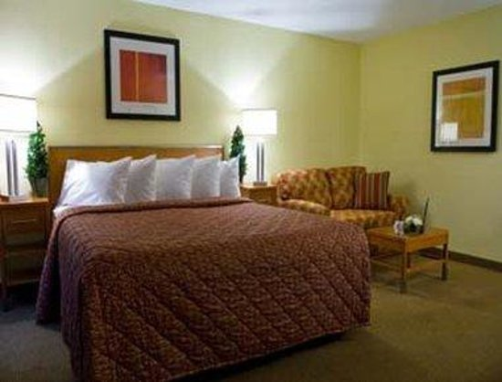 Howard Johnson Inn - San Diego Sea World  / Airport: Standard King Bed Room