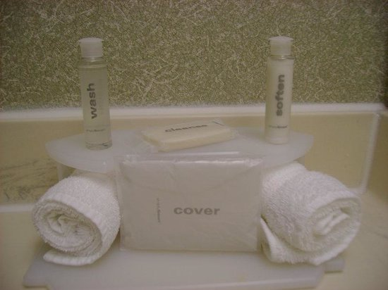 Holiday Inn Express Sea World: Luxurious new bath amenities