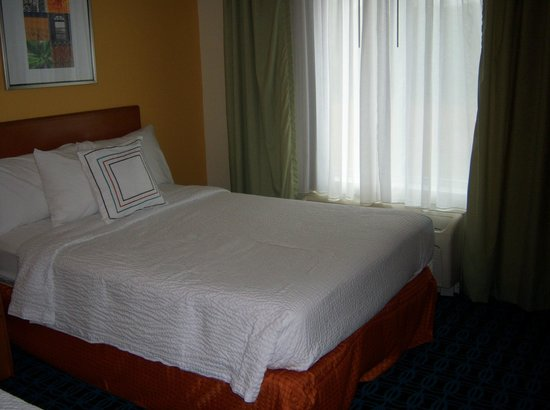 Fairfield Inn & Suites Wilson: Room with 2 queen beds