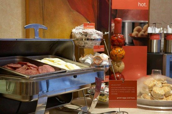 Hampton Inn and Suites Atlanta Downtown: Breakfast