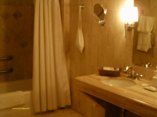 Mayfair Hotel &amp; Spa: Bathroom
