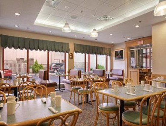 Travelodge Hotel by the Falls: Family Restaurant